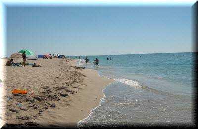 Лучшие курорты Крыма с песчаными пляжами и чистым морем: ТОП-5