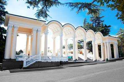 Приморский парк Гагарина туристическое ядро Ялты