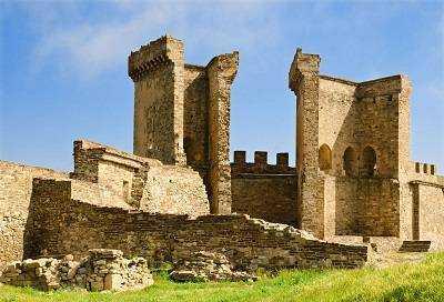 Генуэзская крепость главное украшение Судака