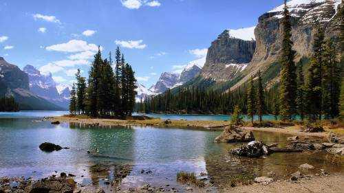 ТОП-20 красивейших стран мира по версии путеводителей Rough Guides