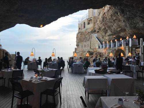 Тихий ресторанчик на берегу Адриатического моря