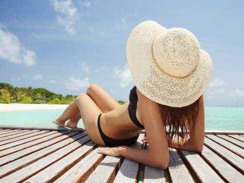 Как лечить солнечные ожоги - от советов врачей до народных средств