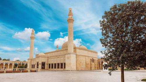 5 причин посетить Баку