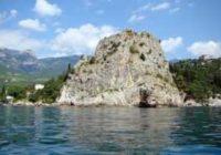 Дженевез-Кая — скала, украшающая Гурзуф