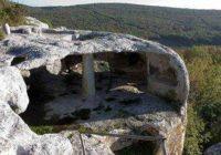 Пещерный город Эски-Кермен в Крыму