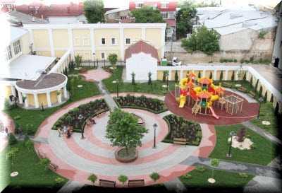 Сквер Республики украшение Симферополя