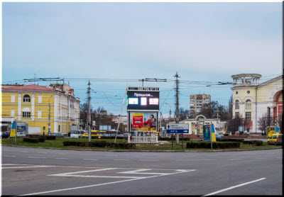 Советская площадь парковый центр Симферополя